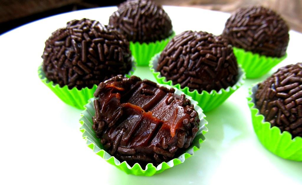 Brigadeiro gourmet de chocolate meio amargo