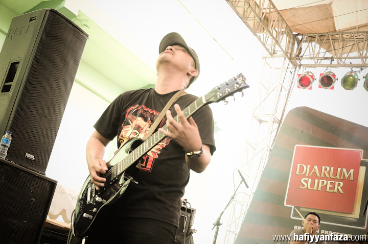 "Auman Live at Bandung Berisik 2013 ""Versus The World"" Photo by Achmad Hafiyyan Faza"