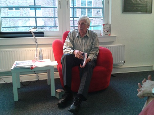 Stolpersteine in Harburg und Wilhelmsburg - Lesung auf dem roten Sessel
