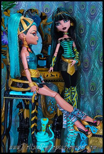 Vanity by DollsinDystopia