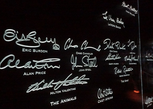 autograph-wall