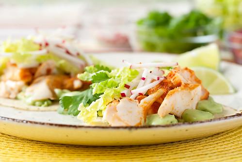 Holy guacamole spicy fish tacos with avocado yogurt sauce for Fish taco sauce mayo