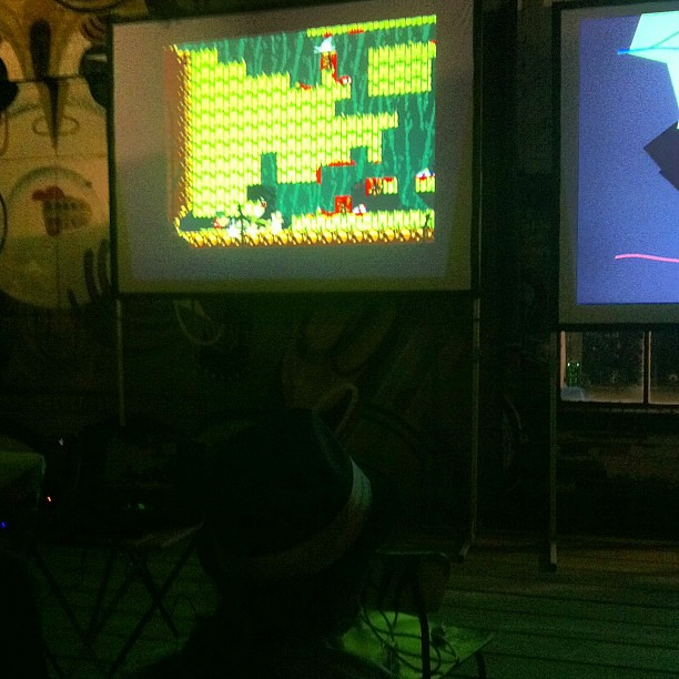 Just played a bunch of Samurai Gunn. It's an incredible amount of fun.
