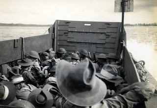 Aussie soldiers landing, Brunei Bay, 10 June 1945
