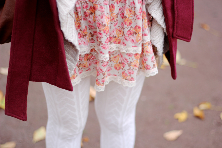 outfit-details-dress-flowers-white-girly-feminin-pink-bright-lace