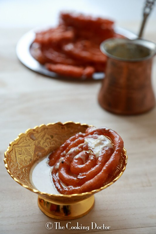 Jalebi with Vanilla Flavoured Rabri
