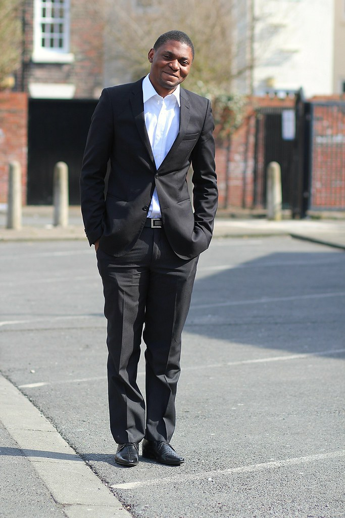 Men Trend - How to dress down a suit, How to wear suit casually, casually wearing a suit, how to dress down a suit, how to wear a suit, tips on how to wear a suit casually. How to wear suit casually, How to wear suit casually, wearing suits casually, V-neck t-shirts, round neck t-shirts, how to wear suit with sneakers, many ways of wearing suit pieces, ways of wearing suit pants, ways of wearing suit blazer, suit pants, suit blazer, suit waistcoat,  how to pull off the casual suit, how to wear suit with t-shirts, how to wear suit with knits, how to wear suit with suspenders, suit with different footwear, suit with t-shirts, suit worn with colourful shirts, suits with knitwear, office wear/formal wear, How to dress down a suit, bow tie