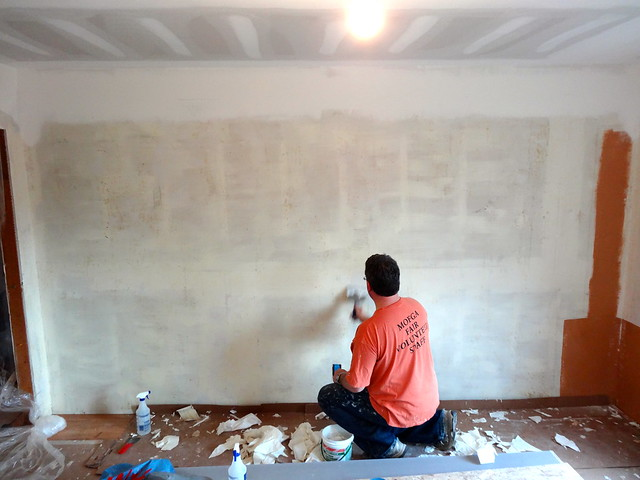 scraping wallpaper and glue