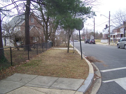 No sidewalk on the south side of the unit block of Quackenbos Street NW