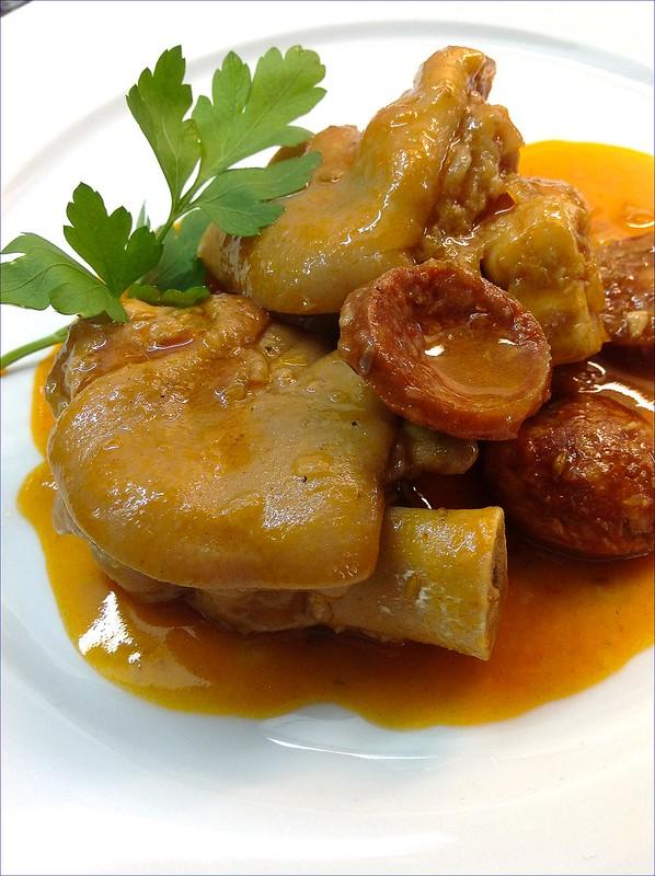 Las recetas de mis amigas manitas de cerdo en salsa for Cocinar manitas de cerdo