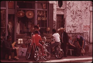 Sidewalk Merchandise On Chicago's South Side. Many Of The City's Black Businessmen Started Small And Grew By Working Hard Today Chicago Is Believed To Be The Black Business Capital Of The United States, 06/1973