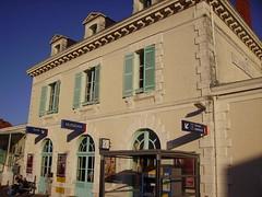 Gare de Mussidan-bâtiment et abri