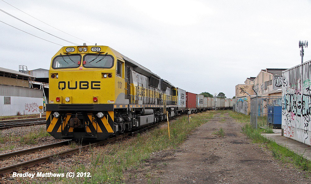 1101-1108 on #4112 QUBE'S Container to Port Botany at Islington Junction in Newcastle (21/12/2012) by Bradley Matthews