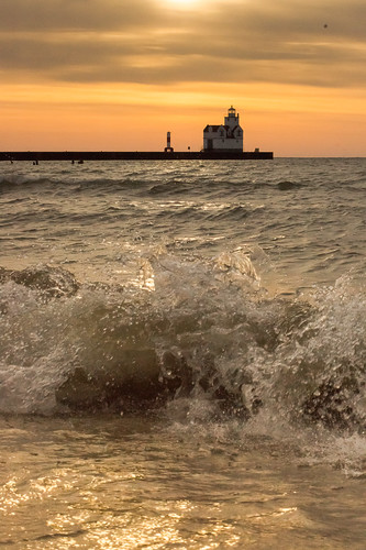 lighthouse, Kewaunee, Wisconsin, Lake Michigan, Waves, Water