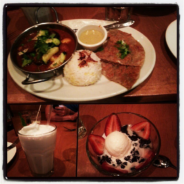 Mmm butterbean potato curry, lychee mint smoothie, black rice pudding, & not pictured a tasty soup n fries. Yummy Burmese fusion dinner!!
