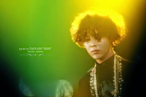 GD-guestappearance-Taeyang-RISE-Seoul-20141012_03