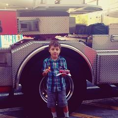 #homedepot #littlesthuman #letsgooutsideandplay #buildinggoals #firetrucks #lafd #adventure2016