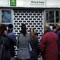 Parados-Servicio-Empleo-Andaluz-Sevilla_TINIMA20130322_1032_18