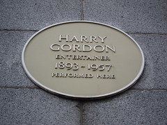 Photo of Harry Gordon yellow plaque