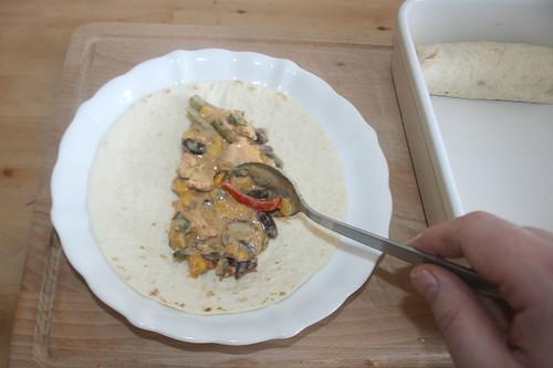 44 - Tortilla befüllen / Fill tortilla