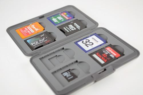 BUFFALO メモリーカードケース 16枚収納(SD×8、microSD×8) シルバー BSSD02K16SV