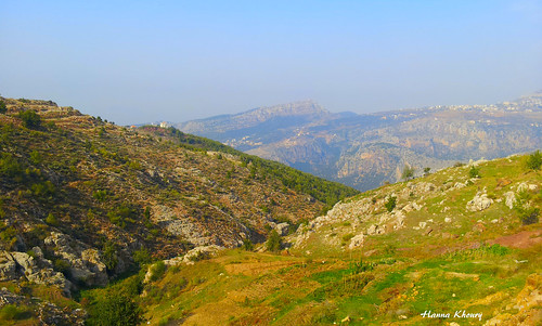 blue sky lebanon mountain landscape north calm valley pax pace paysage libano من nord calme liban paix لبنان شمال vallée سلام منظر سماء جبل جبال رواق الشمال hadath زرقاء حدث aitou jebbeh الجبة