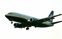 Boeing 737-300, United Airlines, landing at SJC