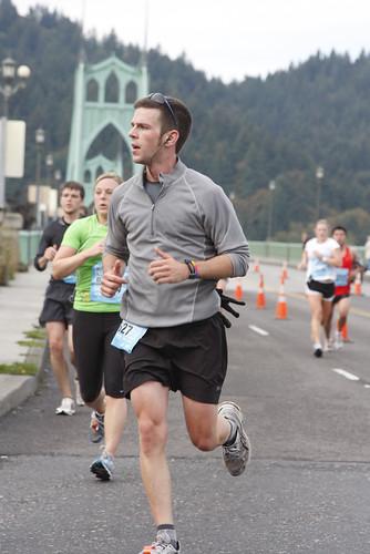 2009.10.11 - Portland marathon, mile 17