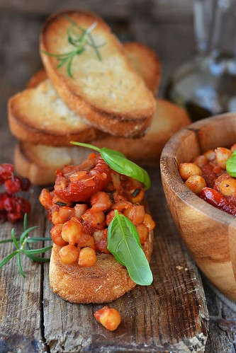 toast bread with chickpeas.10