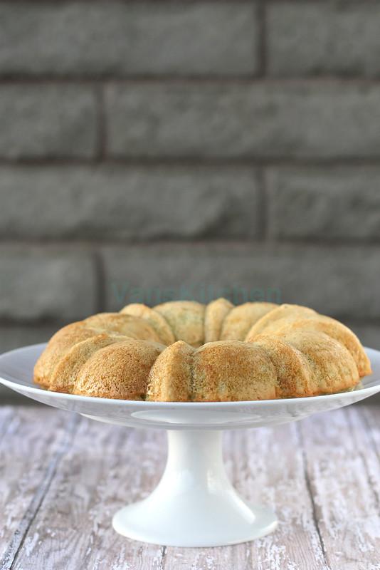 Gluten & dairy free coconut honeycomb cake (Bánh bò nướng)