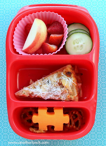 Bynto lunch for kindergarten - garlic chicken pizza & sides