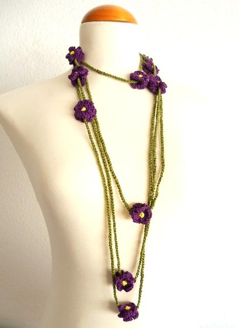collar violetas