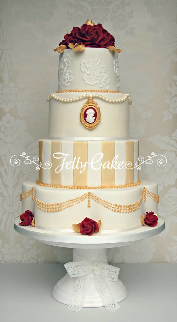 Vintage Red And Gold Wedding Cake Designed To Match The Go Flickr