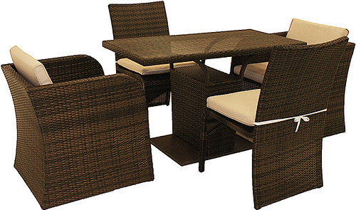 There's a superb range of high quality rattan garden furniture on the Internet