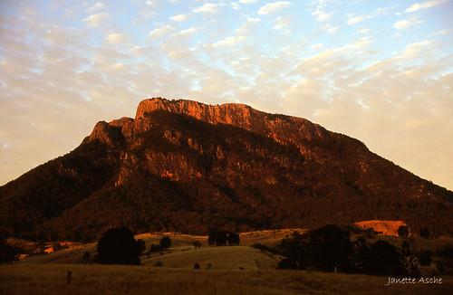 mountain rock clouds sunrise canon fuji mt maroon australia farmland velvia bushwalking scanned queensland 1994 rhyolite seq eos500 35mmslidefilm mtbarneynationalpark