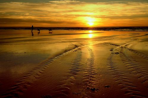 sunset geotagged day cloudy seacoast 2013 geo:lat=4054658063940975 geo:lon=17519489765167236