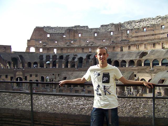 Miguel Egido en el coliseo de Roma