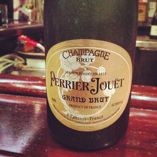 Good idea, @CamilleMaurice! Perrier Jouet at Hampton St Vineyard. BY THE GLASS.
