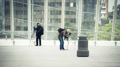 The Photographer & the Robot (Gare de Liège-Guillemins, Belgique) - Photo : Gilderic
