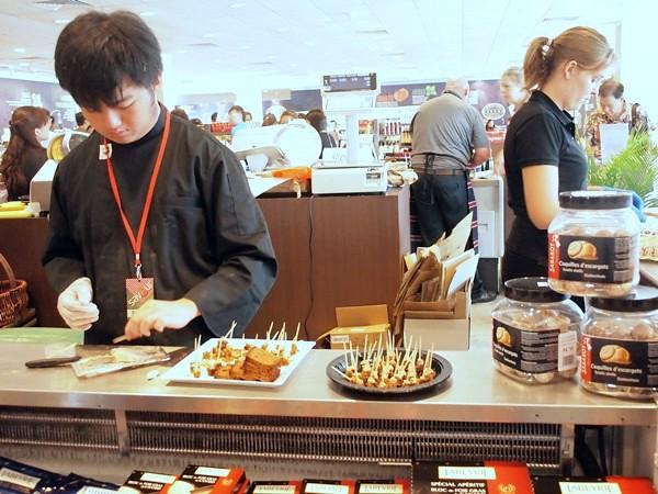 savour 2013 - singapore - gourmet market (113)