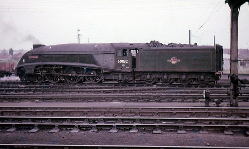 """BR A4 Class 4-6-2 60032 """"Gannet"""", Grantham, Early 1960s ..."""