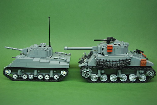 M4 Sherman comparison - Dunechaser vs. Brickmania (2)