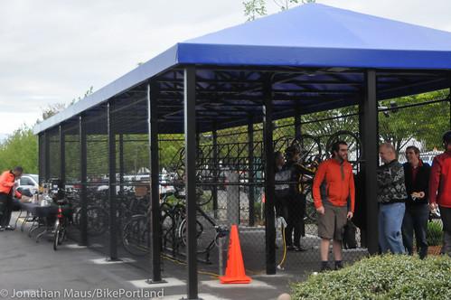 Daimler bike shelter opening-33