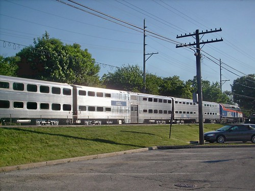 Eastbound Metra rush hour local commuter train departing from the Hollywood (Zoo Stop) depot.  Brookfield Illinois.  June 2007. by Eddie from Chicago