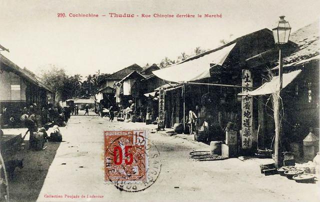 THUDUC - Rue Chinoise derrière le Marché . Timbrée 1913