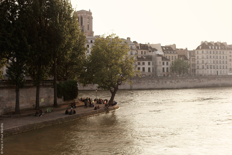 Evening Walk Around Île Saint Louis