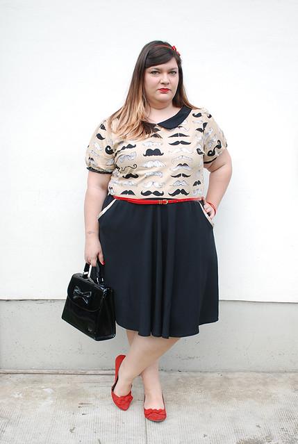 outfit plus size con baffi6
