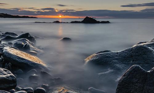 orangesun kinghorn sunrise sunriseoverwater fife fifecoast fifecoastalpath scotland wetrocks reflection longexposure grantmorris grantmorrisphotography canon 5d3 nd nd10