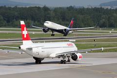 Swiss International Air Lines Airbus A320-214 HB-IJQ