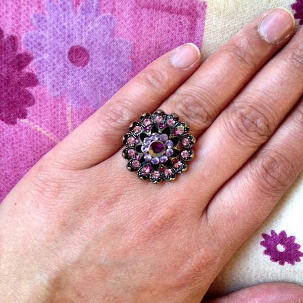 I am sorting out my jewellery for my sister in laws wedding. In not a ring person. But this is one I love and wear on special occasions. Excuse my wrinkle dry hand #ring #purple #round #love #hand #gems